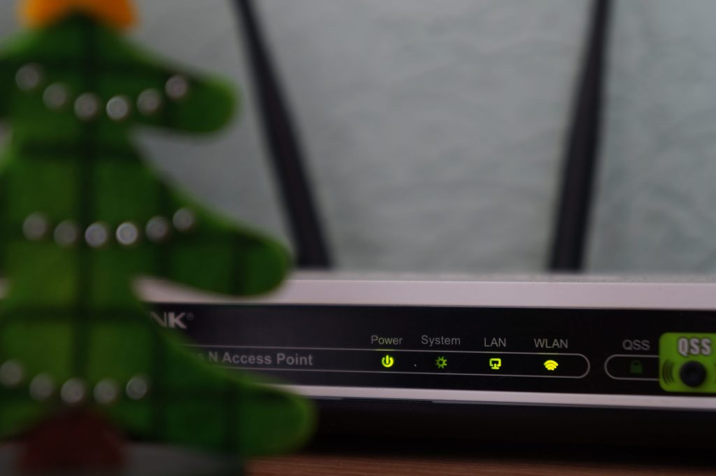 A WiFi broadband router.